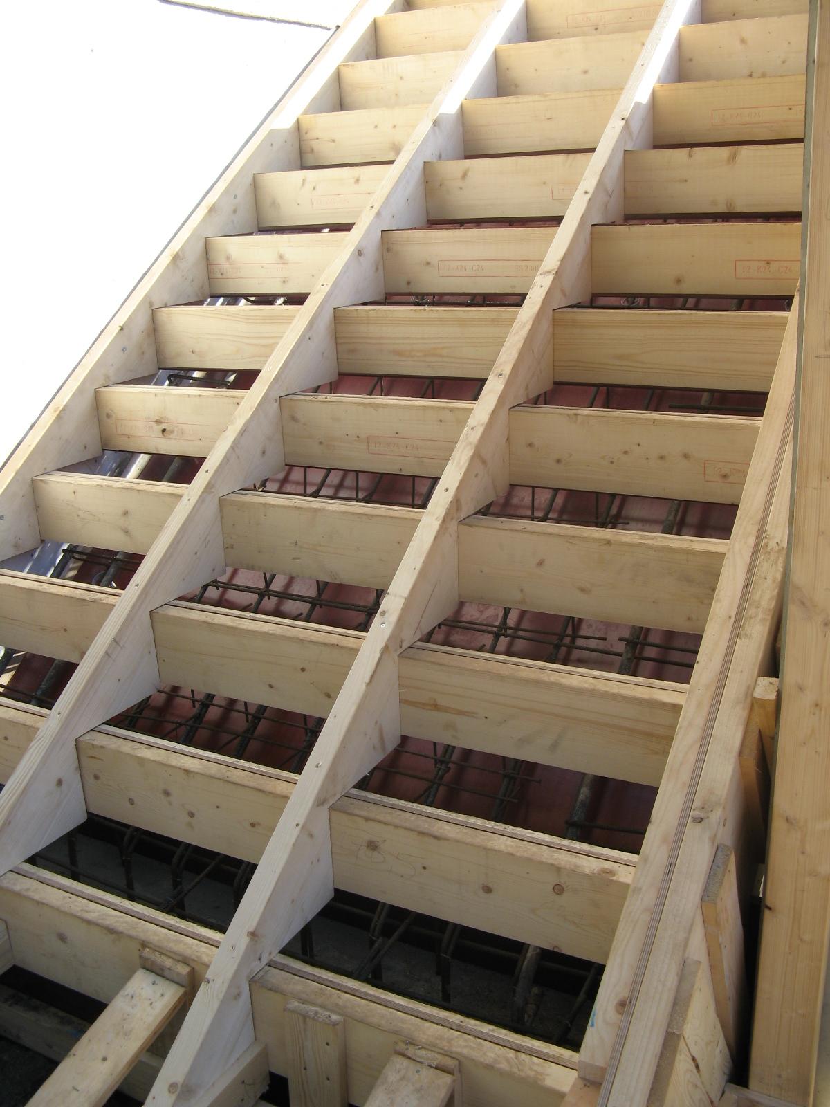 gjuta betongtrappa utomhus